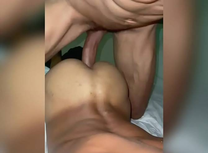 Gay gemendo